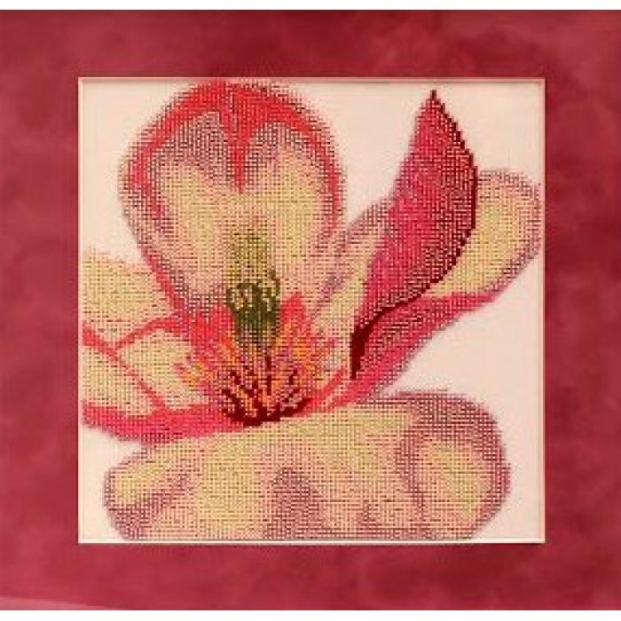 Набор для вышивания бисером СЛАВЯНОЧКА арт. С-019 Триптих. Магнолия 1 23х23 см