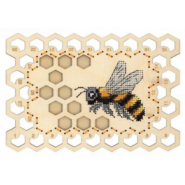Набор для вышивания Щепка арт.О-025 Органайзер Пчела 13х19 см