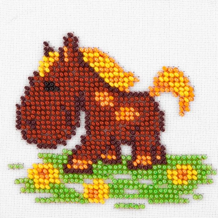 Набор для вышивания бисером LOUISE арт. L466 Лошадка 11х11 см