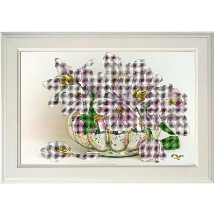 Набор для вышивания бисером КРАСА И ТВОРЧЕСТВО арт.11017 Цветы 31,6х20,6 см