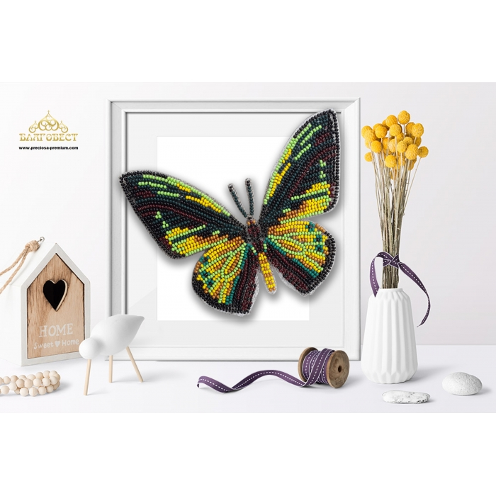 Пластиковая перфорированная основа БЛАГОВЕСТ арт.БС-114 3-D Бабочка. Ornithoptera Goliathus 10х12 см