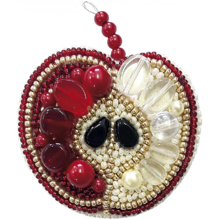 Набор для бисероплетения Crystal Art арт.БП-188 Красное яблоко брошь 5,5х7 см